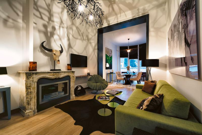 Avenue Louise - Spacious One Bedroom Apartment, alquiler de vacaciones en Auderghem