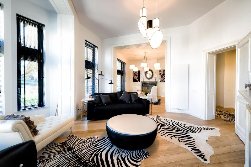 European District - Spacious Two Bedrooms Duplex, vacation rental in Brussels