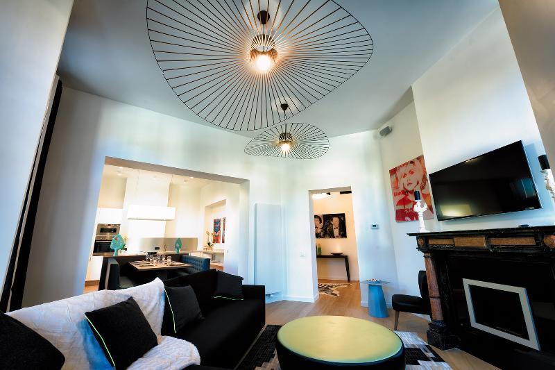 European District - Spacious One Bedroom Apartment, alquiler de vacaciones en Auderghem
