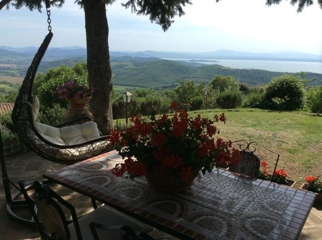Holiday home with pool, Ferienwohnung in Castel Rigone