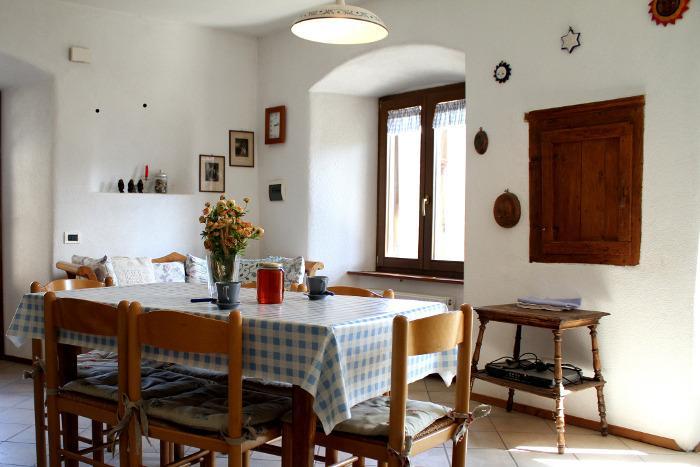 appartamento rustico in antico maso nel verde, vacation rental in Caldonazzo