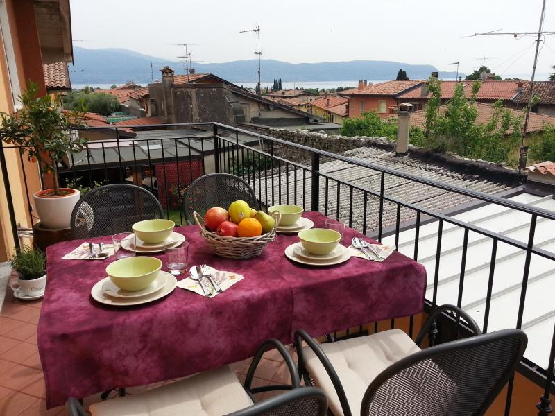 Villetta con giardino privato, holiday rental in Toscolano-Maderno
