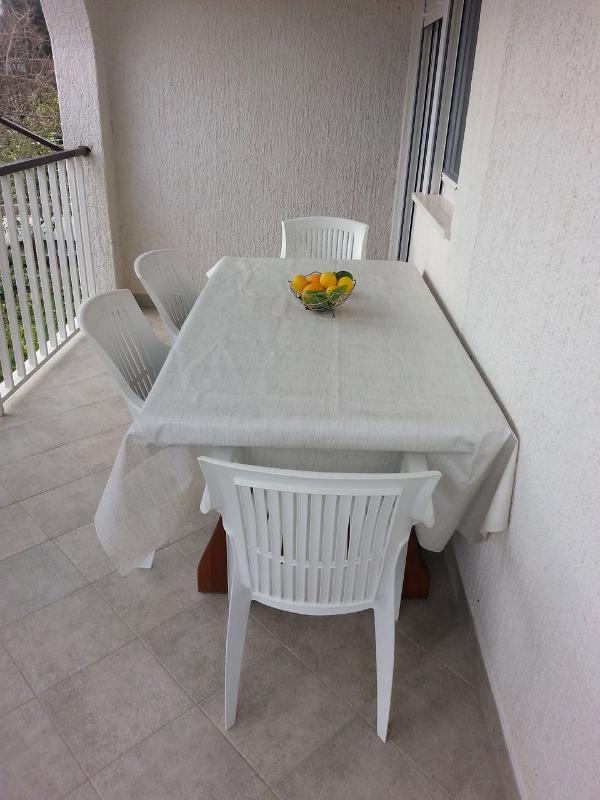A1(4+1): terrace