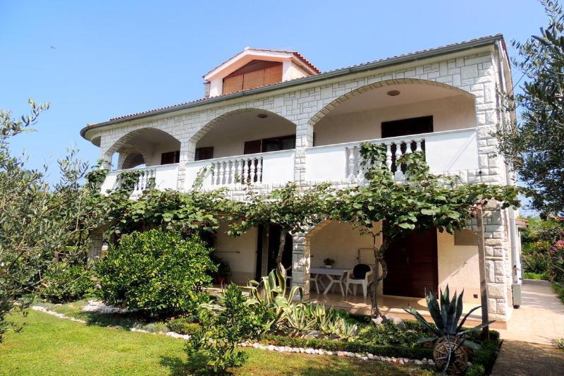 One-bedroom apartment Radojka, holiday rental in Sveti Anton