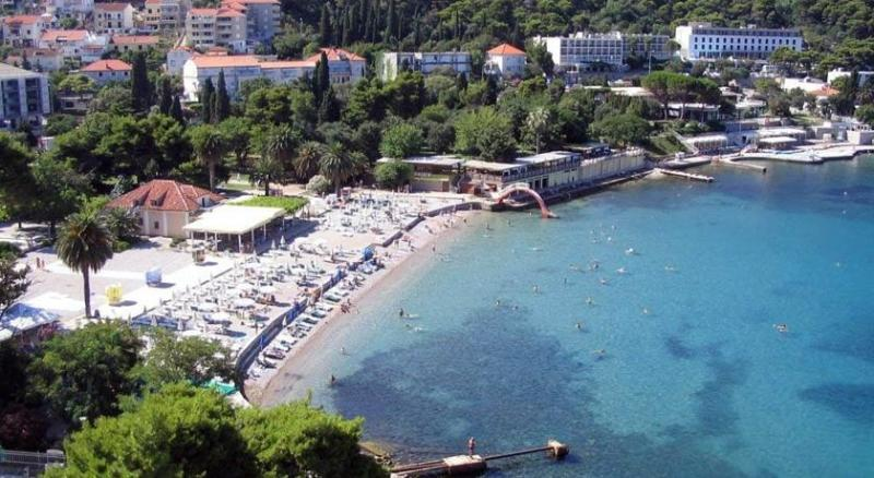 Beach 250m from apartment