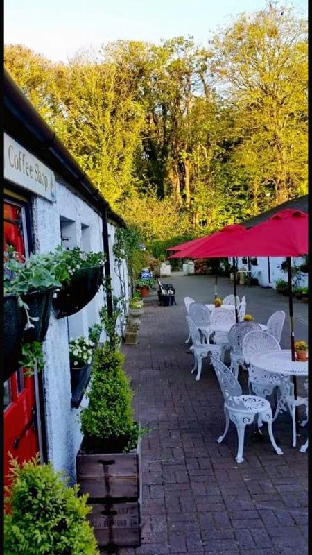 'Hoops' Coffee shop - the perfect sunny spot for coffee/ lunch - peruse the antique shops after!