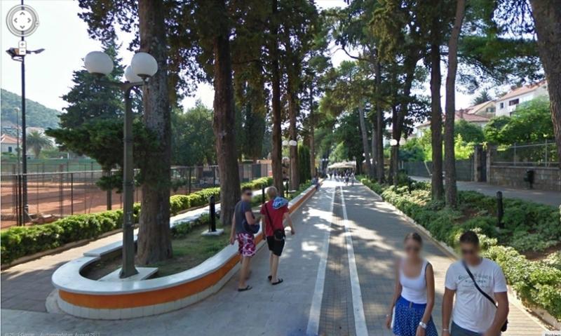 Promenade 150m from apartment