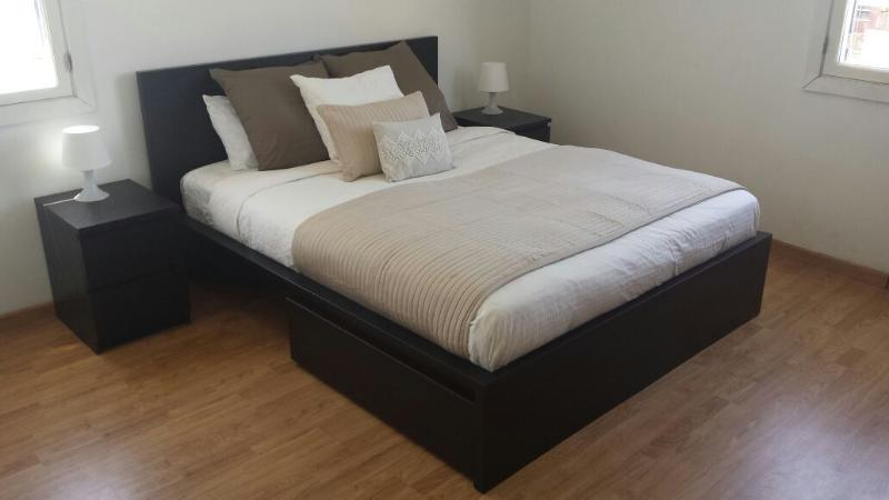 Gibraltar City Centre - 1 Bedroom Apartment, Ferienwohnung in Westside