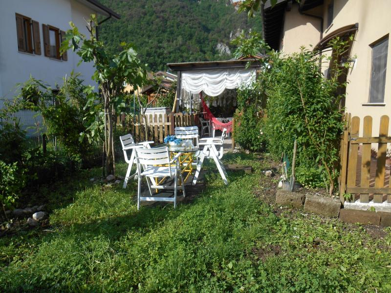 Famiglia affitta 2 camere in casa dove vive, holiday rental in Roncegno Terme