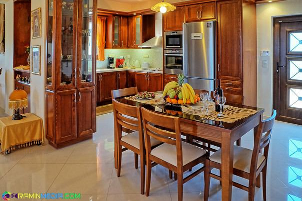dining in the kitchen area