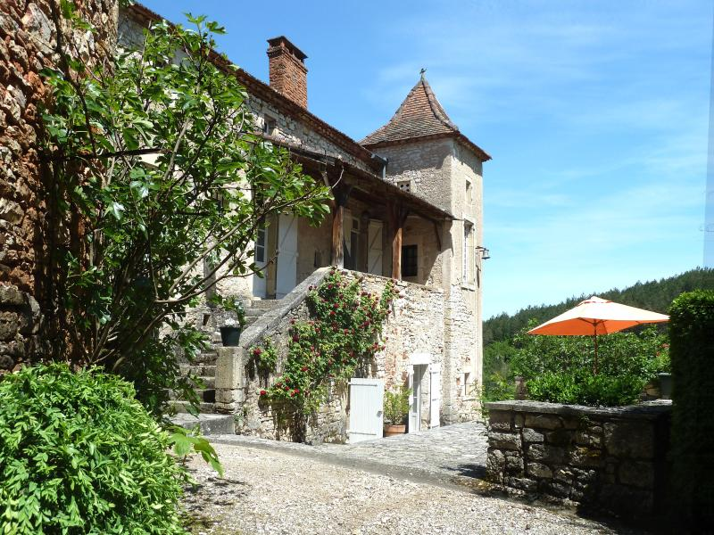 Domaine de Roubignol, 46140 Luzech, Lot, France, vacation rental in Anglars-Juillac