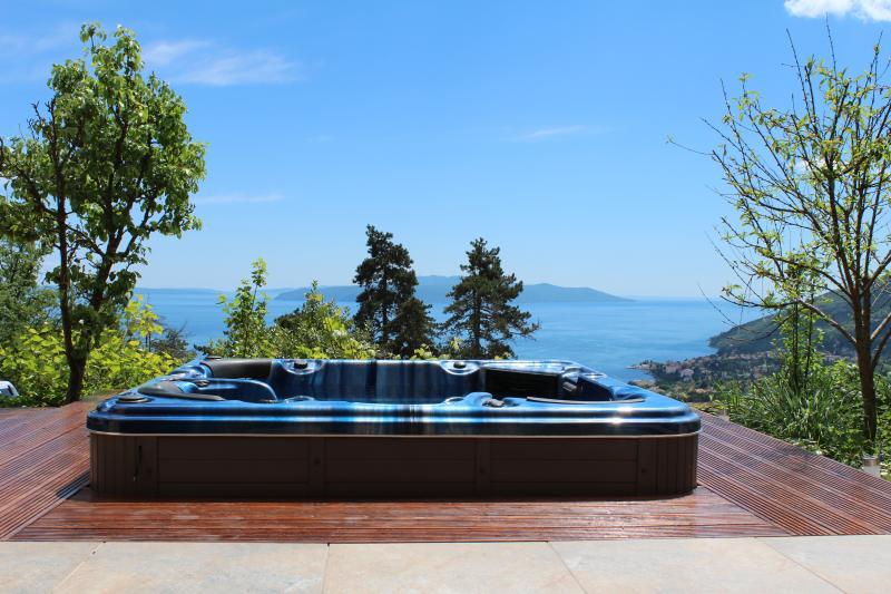 Villa Oscar - a great escape to Croatia, vacation rental in Opatija