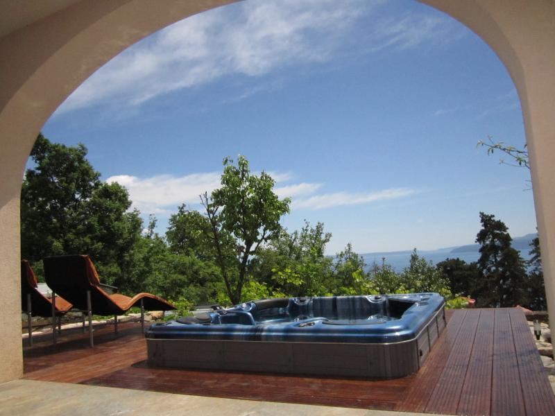 Villa Oscar - a great escape to Croatia, holiday rental in Opatija