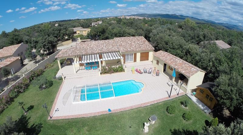 Villa FORMATO, holiday rental in Montmeyan