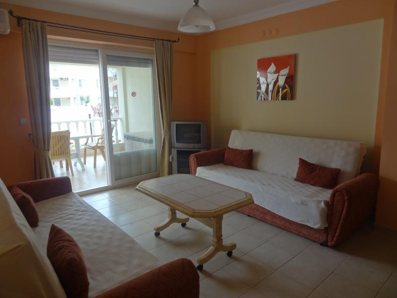 Lounge with 2 sofa beds and Air conditioning