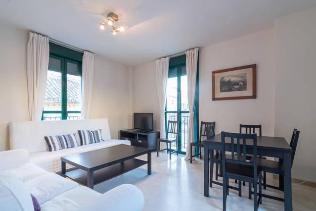 Penthouse with  terrace  Old Town  Parking free, location de vacances à Malaga