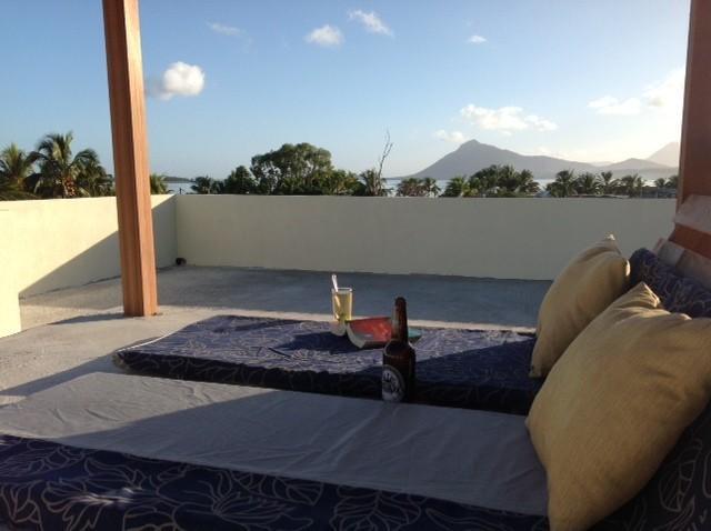 Studio C Romantic Ocean & Mountain views from roof, holiday rental in Baie du Cap
