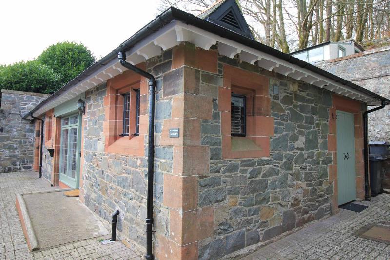 The Coach House, Glenluiart