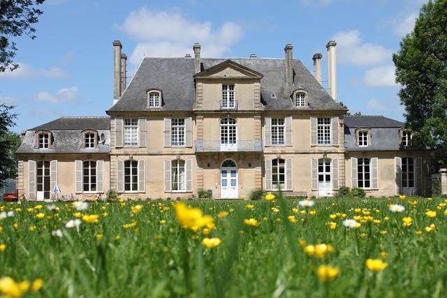 Gîte du Château les Hortensias, aluguéis de temporada em Nonant
