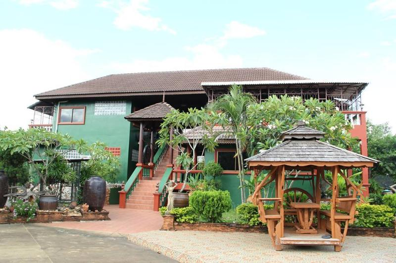 Lampang family Guest house, holiday rental in Lampang Province