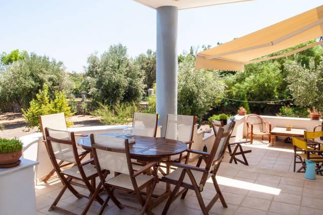 Luxurious villa by the sea, location de vacances à Dikili