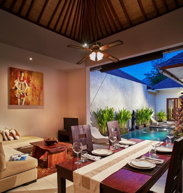 Pool, Living Room, Dinning room
