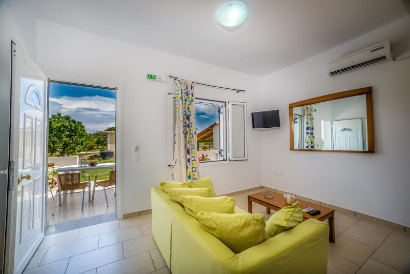 2-Bedroom Ground Floor Apartment - Tesy's Studios & Apartments, holiday rental in Laganas