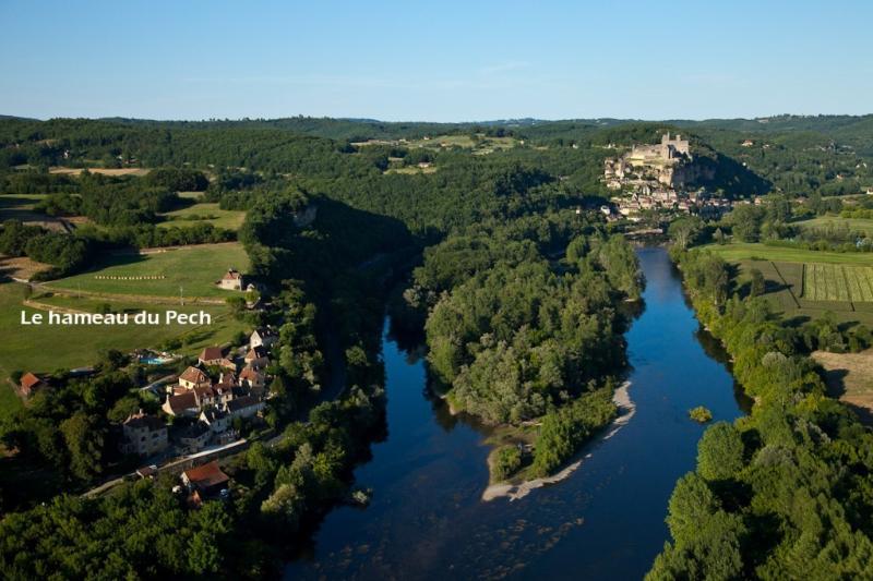 La aldea de Pech vista desde un globo de aire caliente
