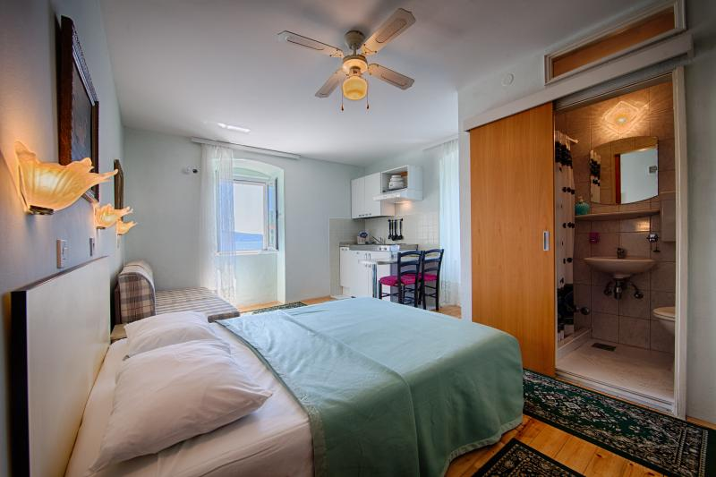 2 person studio apartment with seaview