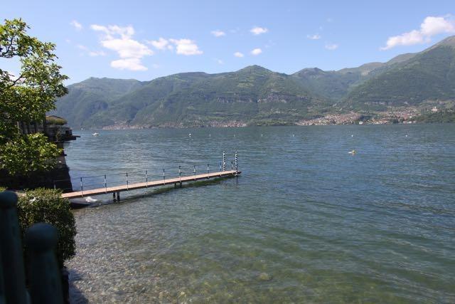 Infinity house on the beach  Lake Como, holiday rental in Sormano