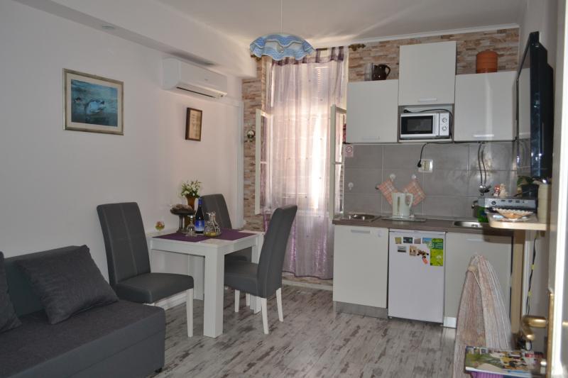 Charming Apartment Split Center
