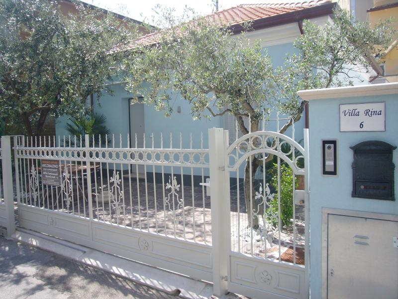 Residence Diffuso Arcobaleno Villa Rina 02, vacation rental in Gabicce Monte