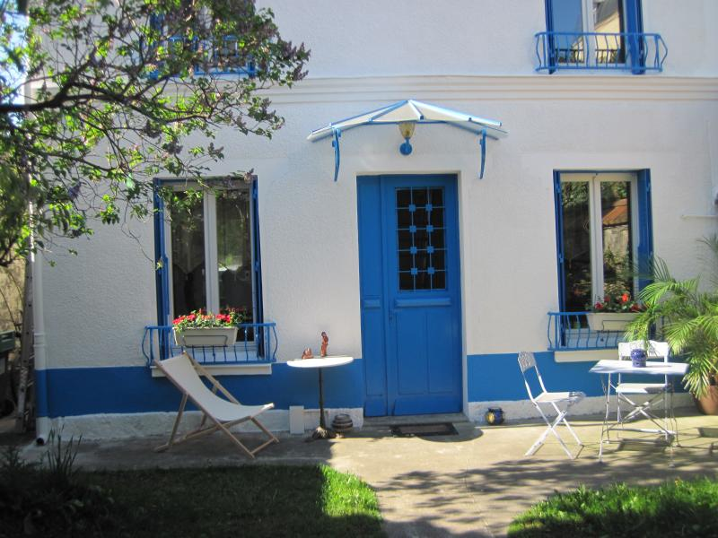 Private room, Breakfast and Garden, location de vacances à Hauts-de-Seine