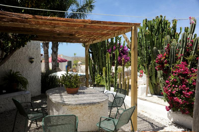 new shaded area by Casa Roja