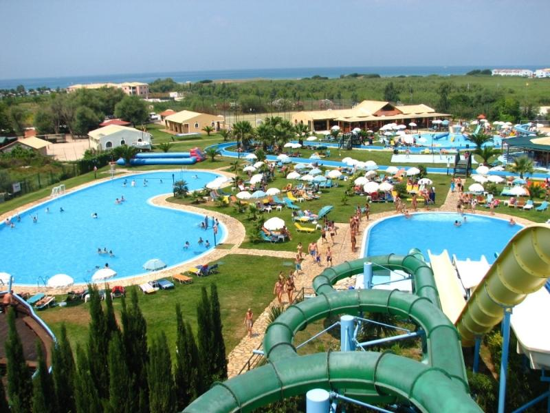 'Hydropolis' water park, just a mile away.