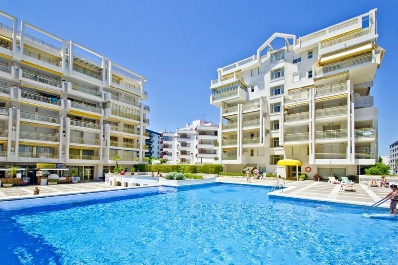 Novelty Salou Primera Linea de playa, holiday rental in Salou