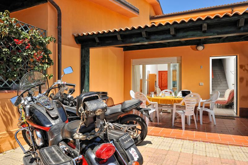 Villetta sul mare a Porto Frailis, vacation rental in Arbatax