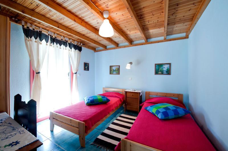 Ground Floor Bedroom with 2 single beds