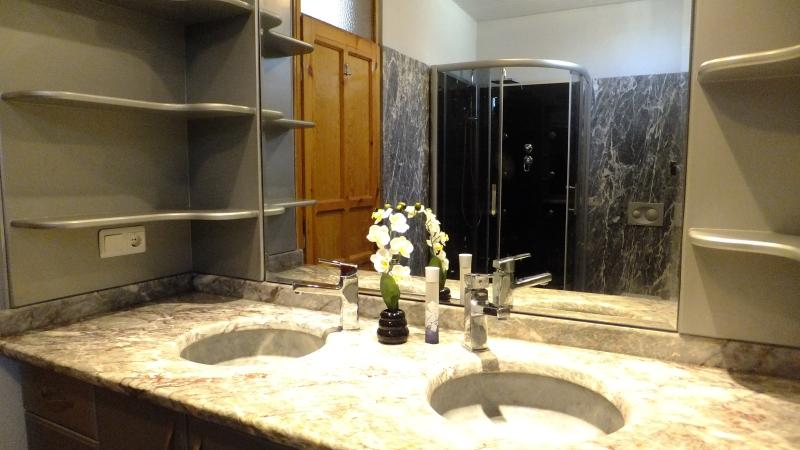 Marble sinks in the bathroom on level 2 of the villa