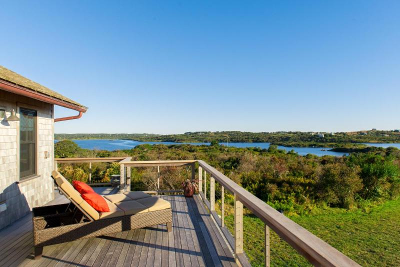 WINGR -  Designer Luxury with Oustanding Atlantic Ocean Views,  Private Beaches,, Ferienwohnung in Chilmark