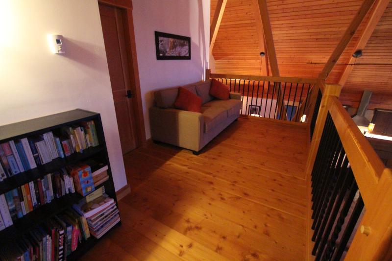 Open loft area with queen sofa bed