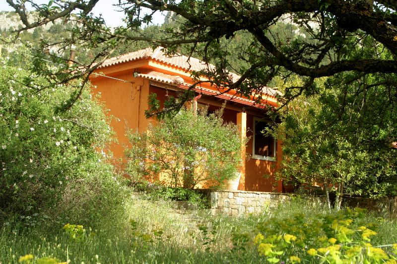 Ourania's Country House, holiday rental in Galatas
