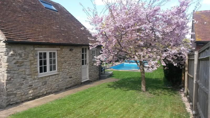 Blossom Cottage, holiday rental in Long Crendon
