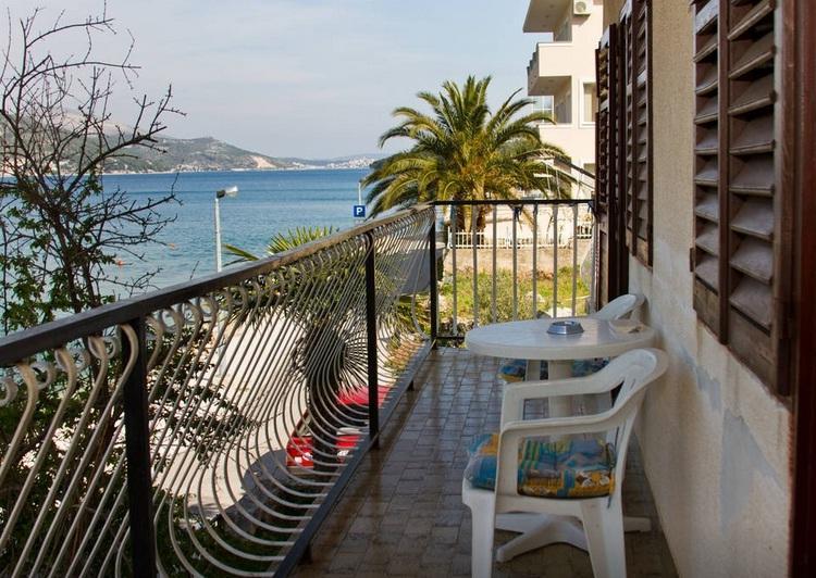 VIlla Marija Waterfront Apartments, location de vacances à Marina