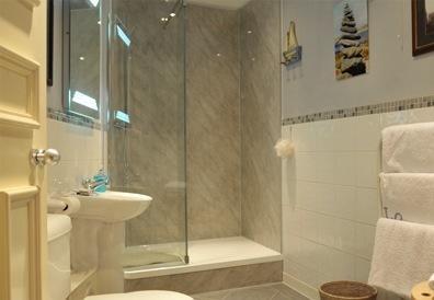Moderne badkamer met inloop douche