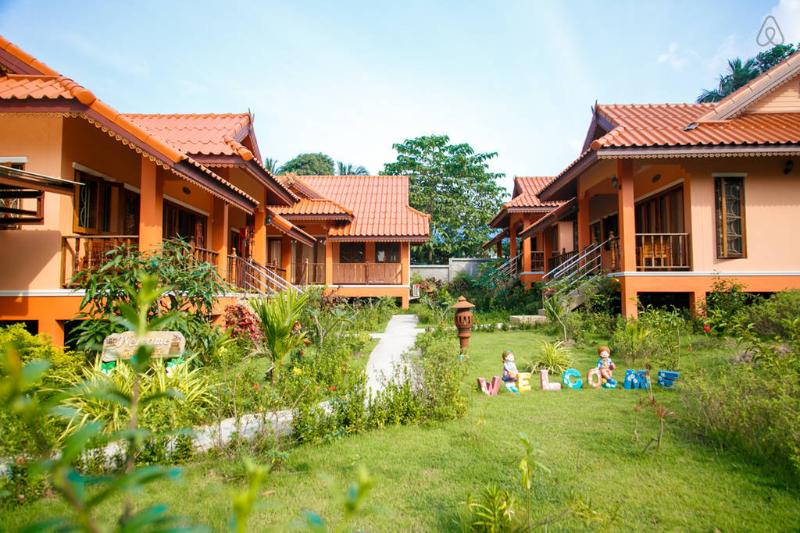 Happy Thai House with kitchen, holiday rental in Surat Thani