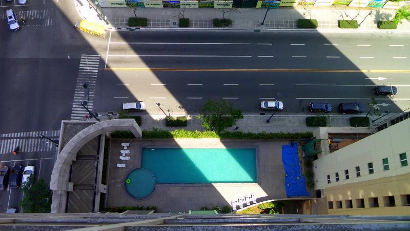 u kunt ontspannen en ontspan in het zwembad beneden