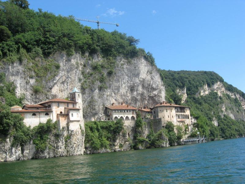 Leggiuno-Hermitage Santa Caterina del Sasso