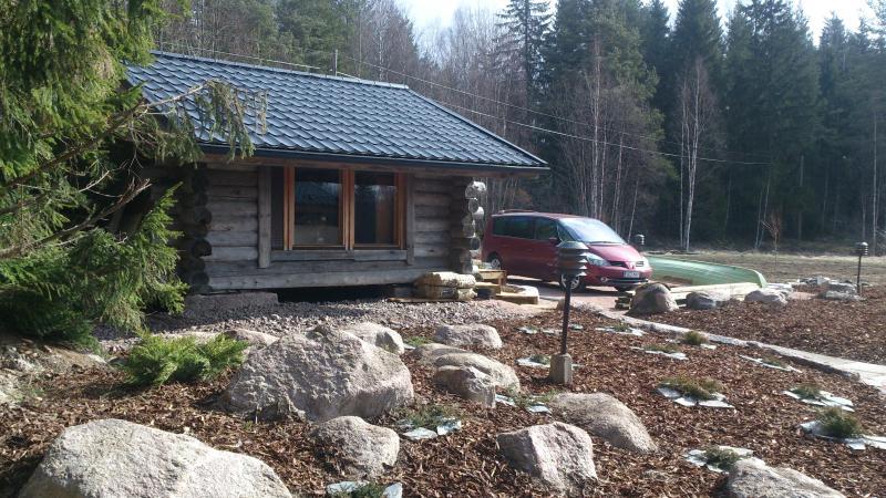 Sleeping hut