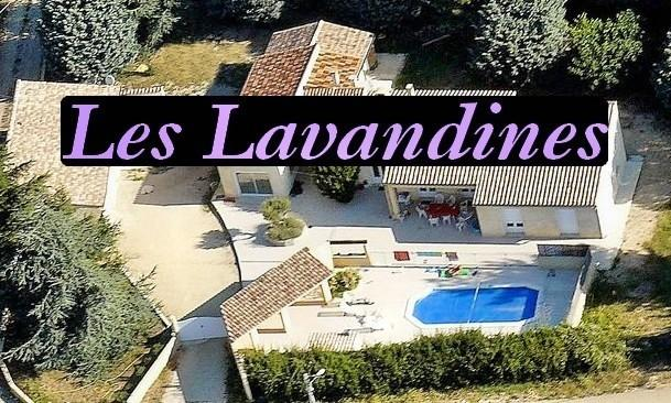 Amid the lavenders, Les Lavandines welcomes you